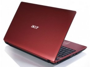Acer Aspire 5552G red